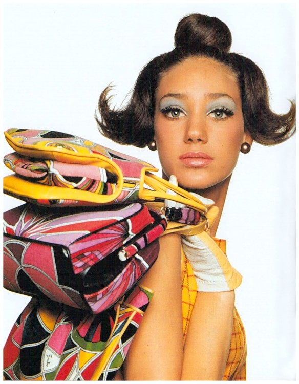 marisa-berenson-photo-bert-stern-1965-vogue-us-with-pucci-bags