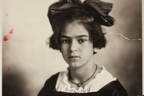 o-YOUNG-FRIDA-KAHLO-facebook