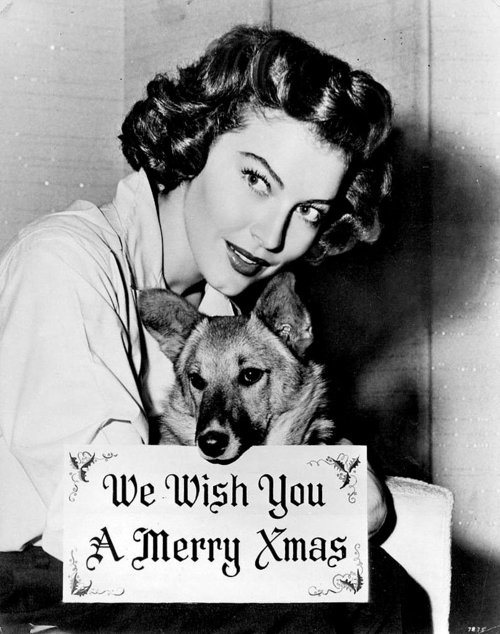 On-her-holiday-postcard-Ava-Gardner-posed-with-her-best-pal.