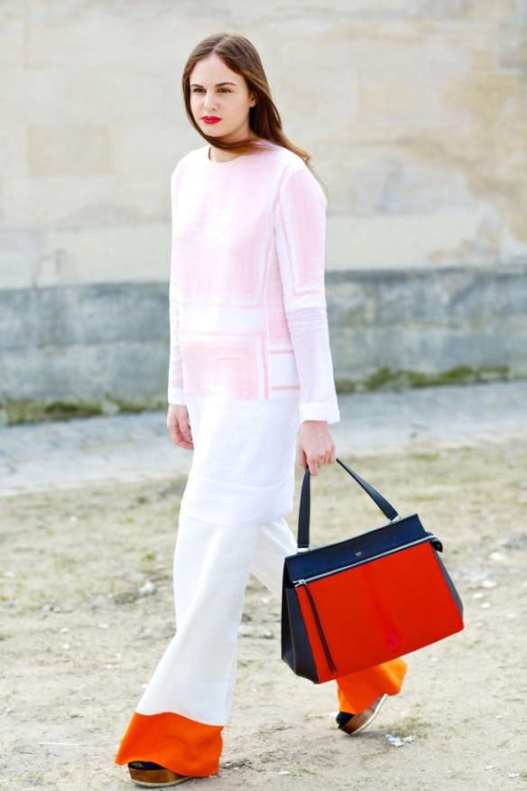 STREET-STYLE-FASHION-WEEK-COLOR-BLOCK-WIDE-LEG-TROUSERS-PANTS-WOODEN-PLATFORM-SANDALS-CELINE-SPRING-SUMMER-2013-RED-LIPS-WHITE-TUNIC-TOP