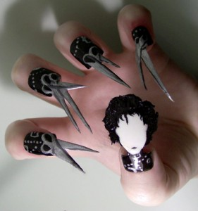 Edward-Scissorhands-Nail-Art-281x300