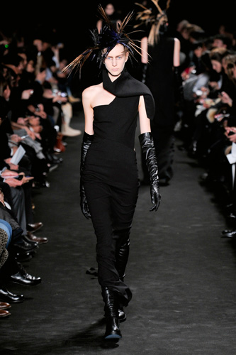 catwalk_yourself_woman_AW12_goth_ann_demeulemester_4