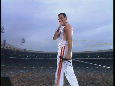 Live-At-Wembley-1986-queen-13068649-400-300