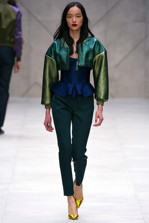 burberry-prorsum-spring-rtw-bomber-jacket-pic115084