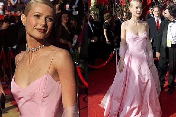 Gwyneth Paltrow - pink Ralph Lauren gown, Oscars (1999).